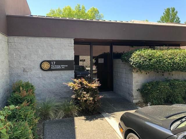 1400 N Dutton Avenue #17, Santa Rosa, CA 95401 (#22016204) :: HomShip
