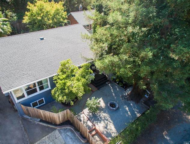 2094 Redwood Drive, Healdsburg, CA 95448 (#22017941) :: Lisa Perotti | Corcoran Global Living