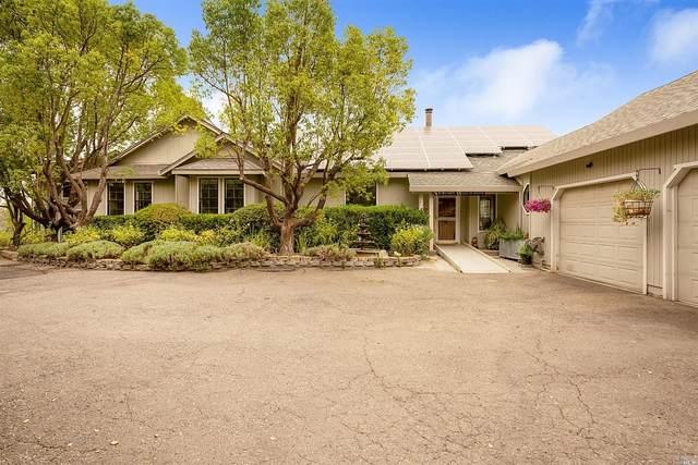 6165 W Dry Creek Road, Healdsburg, CA 95448 (#22019316) :: HomShip