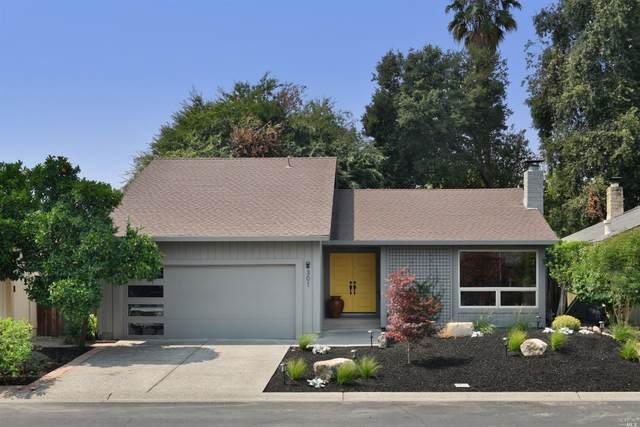 301 Orchard Street, Healdsburg, CA 95448 (#22019789) :: HomShip