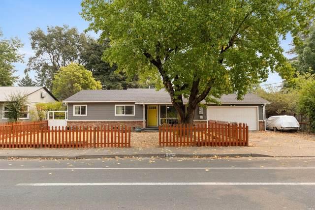 687 N Bush Street, Ukiah, CA 95482 (#22020804) :: Golden Gate Sotheby's International Realty