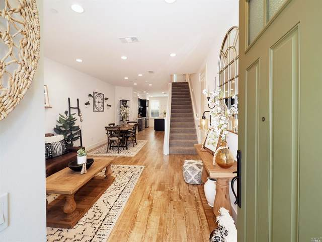 921 Prospect Avenue, Santa Rosa, CA 95409 (#22022312) :: Golden Gate Sotheby's International Realty