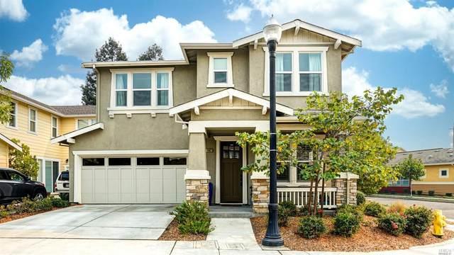 1402 Yarberry Lane, Petaluma, CA 94954 (#22023863) :: Corcoran Global Living