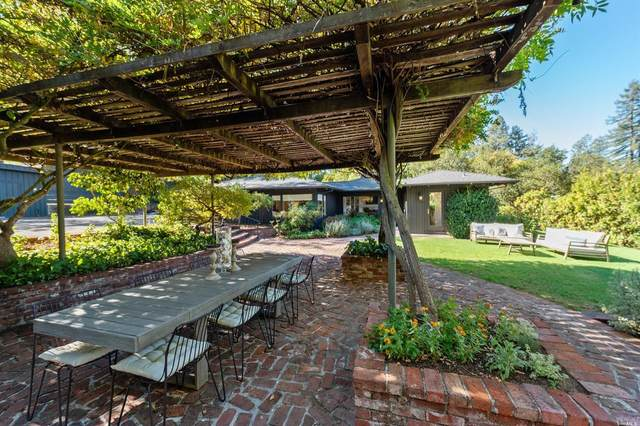 1244 N Fitch Mountain Road, Healdsburg, CA 95448 (#22025097) :: Jimmy Castro Real Estate Group