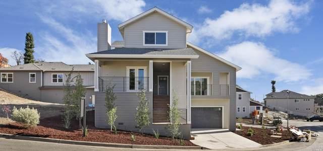 5736 Fairway Knoll Lane, Santa Rosa, CA 95403 (#22025978) :: Lisa Perotti | Corcoran Global Living