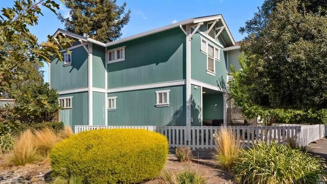 813 Twin Oaks Lane, Windsor, CA 95492 (#22027579) :: HomShip