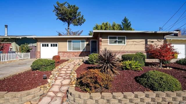 116 Maria Drive, Petaluma, CA 94954 (#22028134) :: Hiraeth Homes