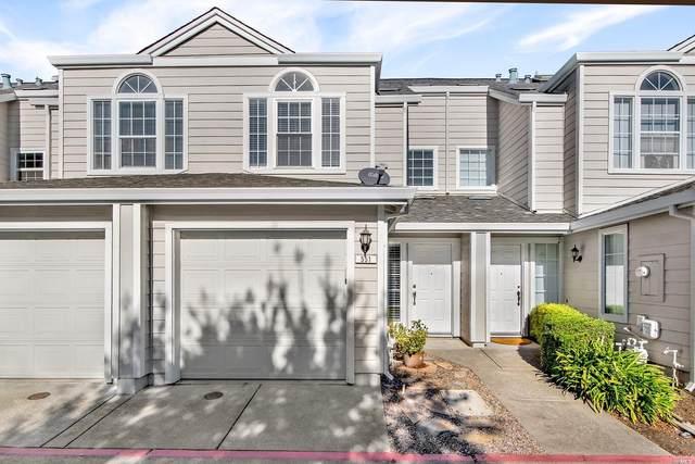 551 Spruce Street, Santa Rosa, CA 95407 (#22028316) :: Hiraeth Homes
