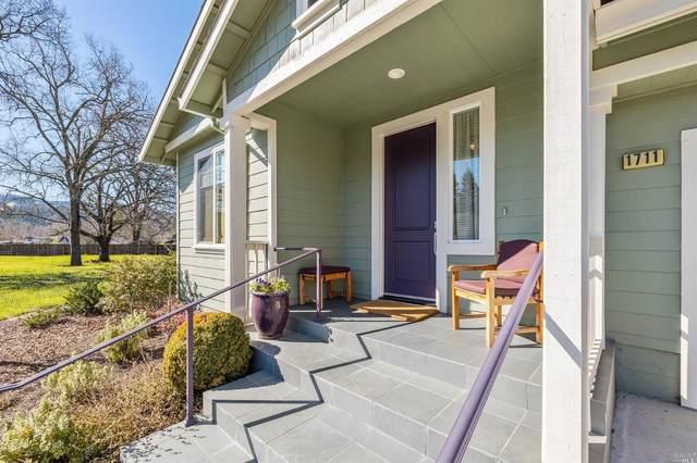 1711 Emerald Drive, Calistoga, CA 94515 (#321007993) :: Rapisarda Real Estate