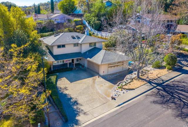 450 Oak View Drive, Vacaville, CA 95688 (#321008791) :: W Real Estate | Luxury Team