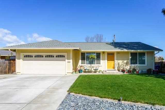 844 Lunar Court, Rohnert Park, CA 94928 (#321015729) :: Rapisarda Real Estate