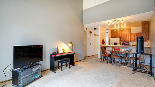 7517 Camino Colegio, Rohnert Park, CA 94928 (#321022378) :: Rapisarda Real Estate