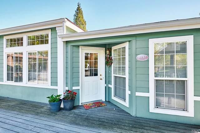1137 Chinaberry Way, Windsor, CA 95492 (#321025390) :: Rapisarda Real Estate