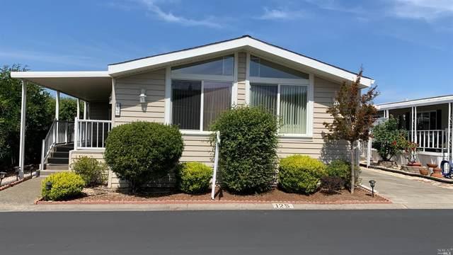 300 E H Street #125, Benicia, CA 94510 (#321026385) :: The Lucas Group