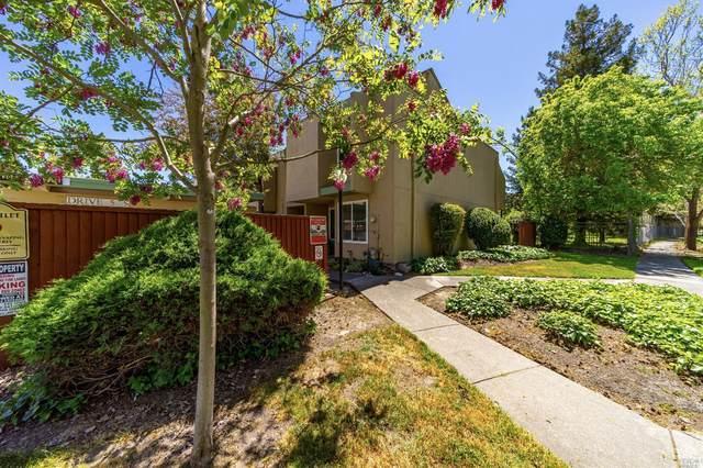 3082 Yulupa Avenue, Santa Rosa, CA 95405 (#321032533) :: RE/MAX GOLD