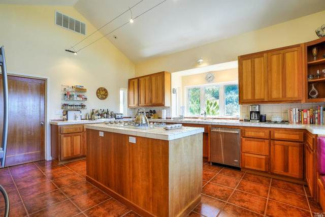 2045 Muniz Ranch Road, Jenner, CA 95450 (#321047796) :: Golden Gate Sotheby's International Realty