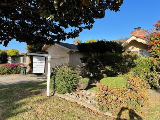 811 W Alisal Street, Salinas, CA 93901 (#321051043) :: Corcoran Global Living