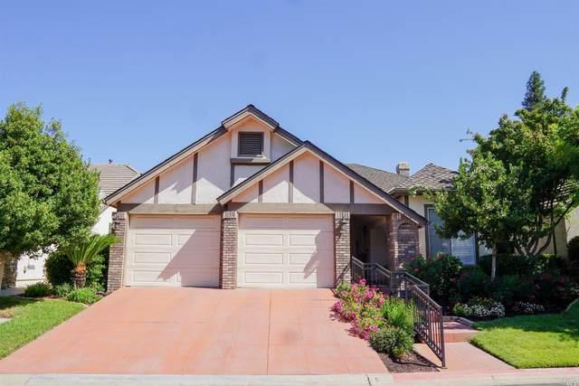 2301 Dawson Cove Lane, Clovis, CA 93611 (#321050183) :: Lisa Perotti | Corcoran Global Living