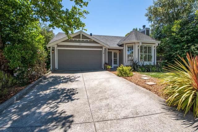 228 White Oak Circle, Petaluma, CA 94952 (#321053975) :: Intero Real Estate Services