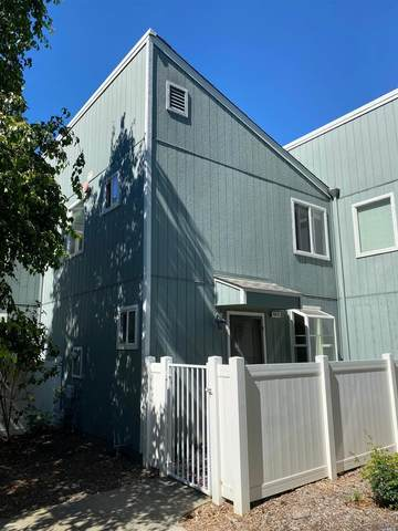 6828 Avenida Cala, Rohnert Park, CA 94928 (#321059305) :: The Abramowicz Group