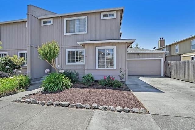 2076 Pinercrest, Santa Rosa, CA 95403 (#321067316) :: Golden Gate Sotheby's International Realty