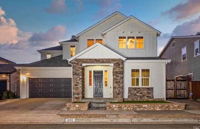 1809 Nicola Drive, Petaluma, CA 94954 (#321068137) :: Golden Gate Sotheby's International Realty