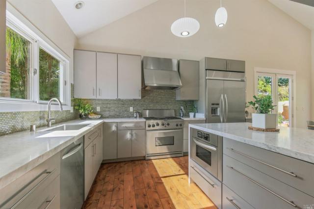 31 Almenar Drive, Greenbrae, CA 94904 (#21809141) :: Ben Kinney Real Estate Team