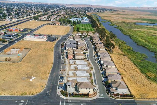 1264 Gray Hawk Lane, Suisun City, CA 94585 (#21823508) :: Windermere Hulsey & Associates