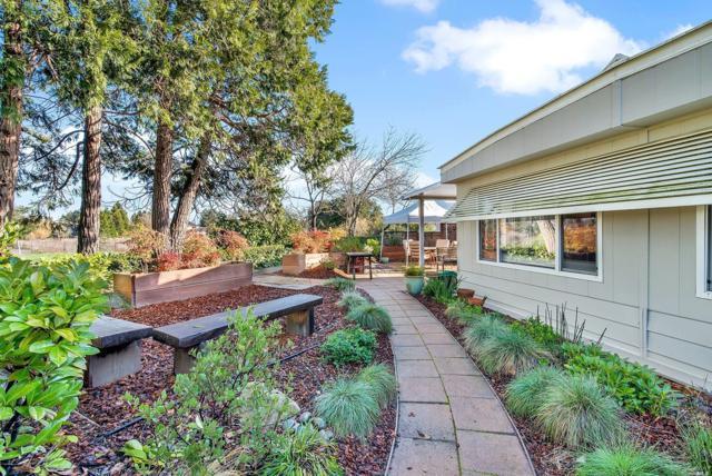 48 Sequoia Circle, Santa Rosa, CA 95401 (#21902569) :: Michael Hulsey & Associates