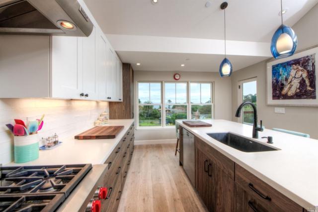 275 Belvedere Avenue, Stinson Beach, CA 94970 (#21905192) :: Rapisarda Real Estate