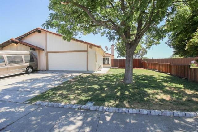 2706 Applewood Drive, Fairfield, CA 94534 (#21917896) :: Rapisarda Real Estate