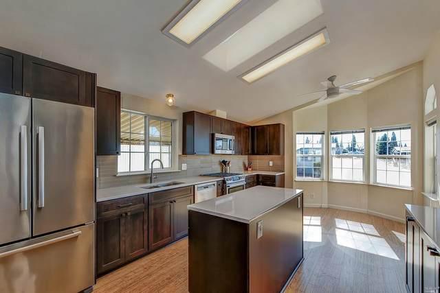 1033 Lake Drive, Windsor, CA 95492 (#22009742) :: RE/MAX GOLD