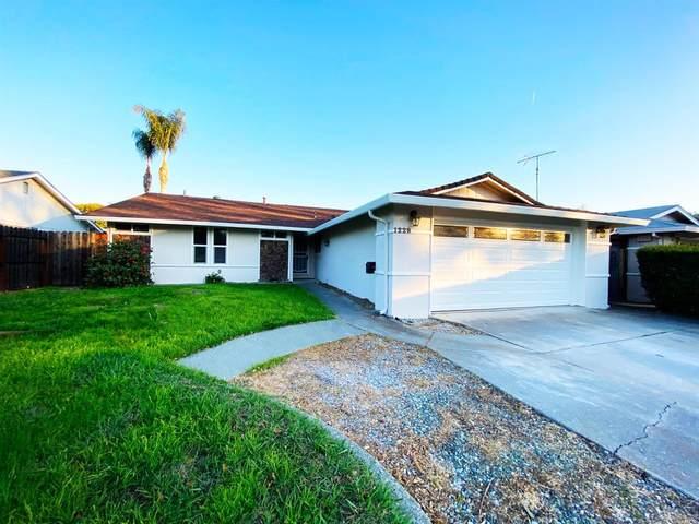 1228 Alderwood Way, Vacaville, CA 95687 (#321002519) :: Rapisarda Real Estate