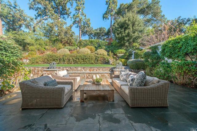 11 Pine Court, Kentfield, CA 94904 (#21813645) :: Rapisarda Real Estate