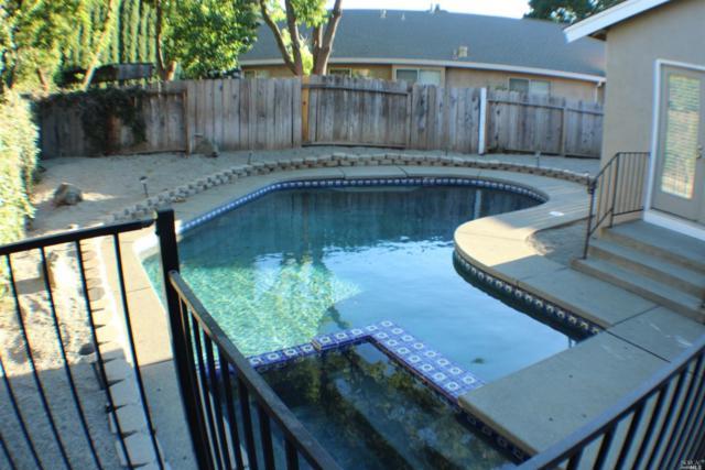 218 Newport Circle, Vacaville, CA 95687 (#21822755) :: Ben Kinney Real Estate Team