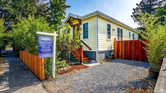 624 E D Street, Petaluma, CA 94952 (#22022539) :: Golden Gate Sotheby's International Realty