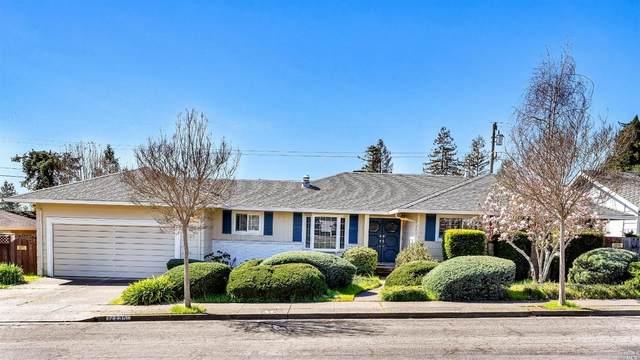 2235 Oak Hill Drive, Santa Rosa, CA 95404 (#321008042) :: Hiraeth Homes