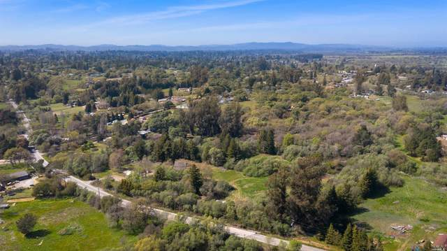 5570 Lone Pine Road, Sebastopol, CA 95472 (#321022237) :: Hiraeth Homes