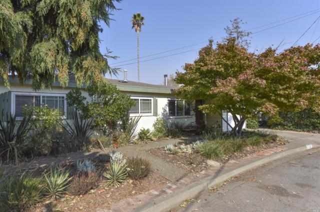 2132 Holmes Avenue, Napa, CA 94559 (#21724444) :: Heritage Sotheby's International Realty