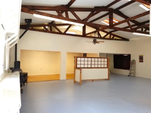 6875 Sir Francis Drake Boulevard, Forest Knolls, CA 94933 (#21727773) :: Lisa Perotti | Zephyr Real Estate