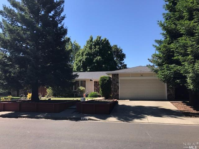 542 Gonzales Drive, Vacaville, CA 95688 (#21713511) :: Intero Real Estate Services