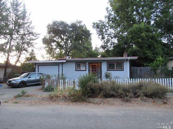 411 W 4th Street, Cloverdale, CA 95425 (#21724690) :: The Todd Schapmire Team at W Real Estate