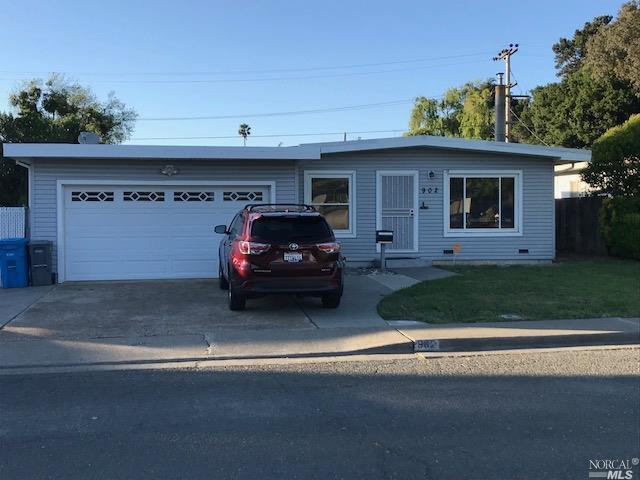 902 Del Mar Avenue, Vallejo, CA 94589 (#21812717) :: Ben Kinney Real Estate Team