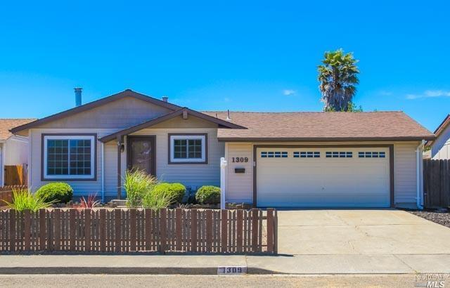 1309 Saint Francis Drive, Petaluma, CA 94954 (#21816101) :: Rapisarda Real Estate
