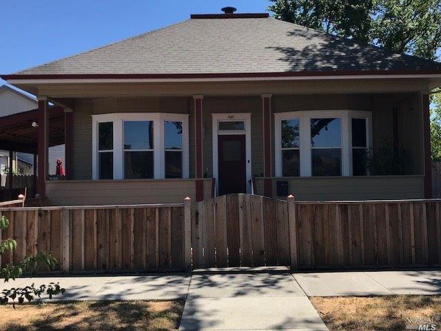 747 Broadway Street, Fairfield, CA 94533 (#21816351) :: Rapisarda Real Estate