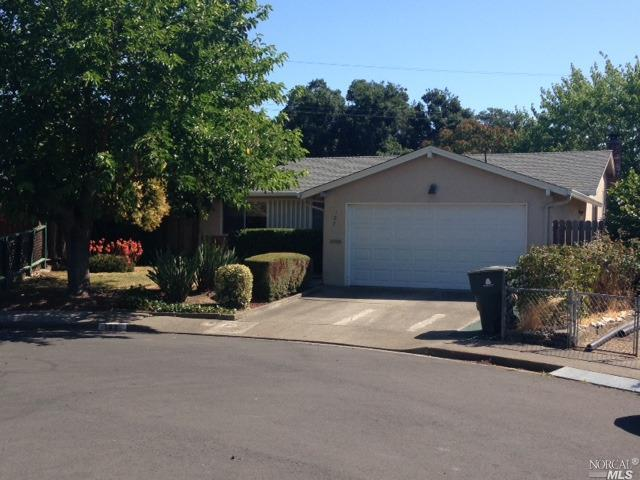 107 Stephen Court, Vallejo, CA 94589 (#21818427) :: Rapisarda Real Estate