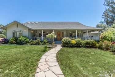 6398 Pond Hollow Road, Sebastopol, CA 94972 (#21818754) :: Rapisarda Real Estate