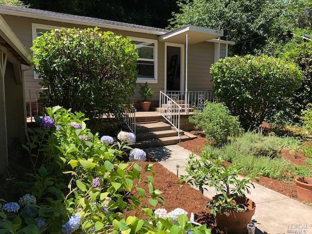 160 Montezuma Avenue, Forest Knolls, CA 94933 (#21819157) :: Ben Kinney Real Estate Team