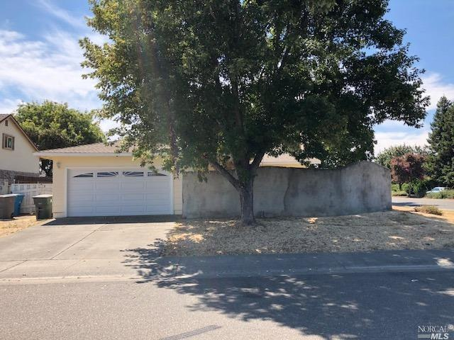 1395 W F Street, Dixon, CA 95620 (#21823754) :: Windermere Hulsey & Associates