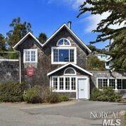 9470 Riverside Drive, Jenner, CA 95450 (#21825707) :: Ben Kinney Real Estate Team